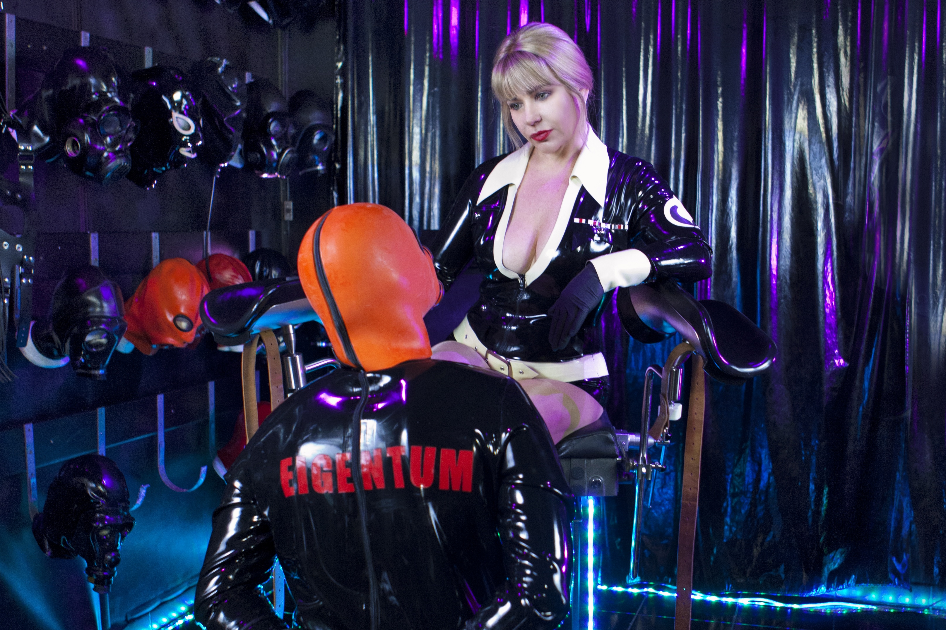 Sexy! herrin und sklave video thats